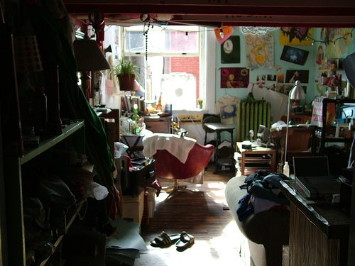 cluttered-room2
